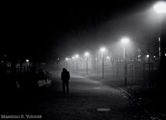 volonte-photographer - man in dark park