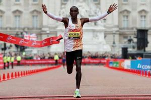 London Marathon 2019 breaks 38 Guinness World records, Mo Farah wins
