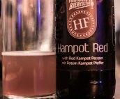 Heimspiel: Die Ehrenfelder Braustelle ist mit dem Kampot Red aus ihrer Craftbier Serie dabei. Red Ale aromatisiert mit Roten Beeren. Leicht sauer und die Schärfe meldet sich vor allem im Abgang.