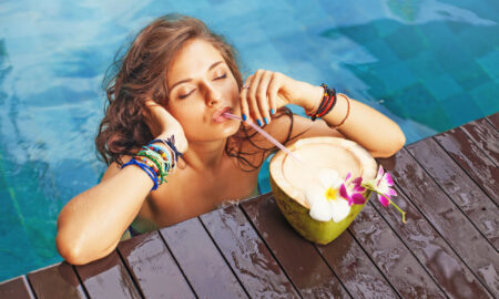 6 Benefits of Coconut Water