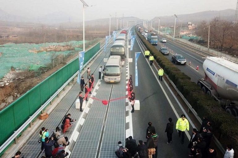 Estrada Solar É Inaugurada Na China
