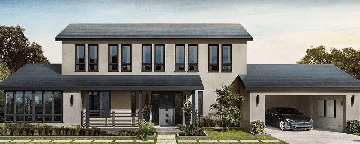 Tesla finalmente começa a fabricar telhas de energia solar