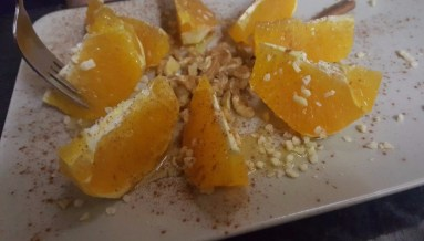 Oranges with Honey, Cinnamon and Walnuts Laranja com Mel, Canela e Nozes