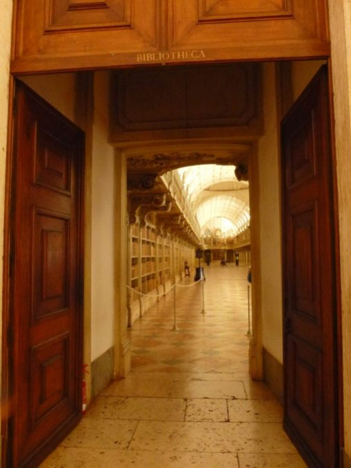 Entrance to Mafra Palace Library | Entrada da Biblioteca do Palácio de Mafra