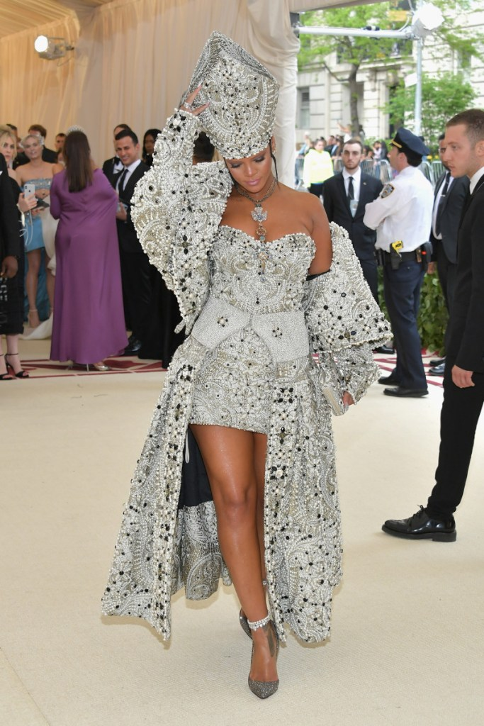 "FAVOURITE ""HEAVENLY BODIES"" MET GALA 2018 OUTFITS!"