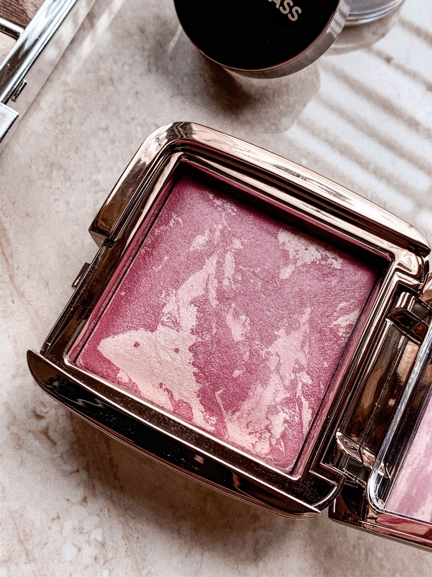 hourglass ambient blush