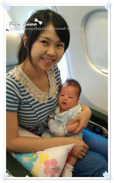365-2 翰翰1M。幫新生兒拍大頭照+辦護照so easy!