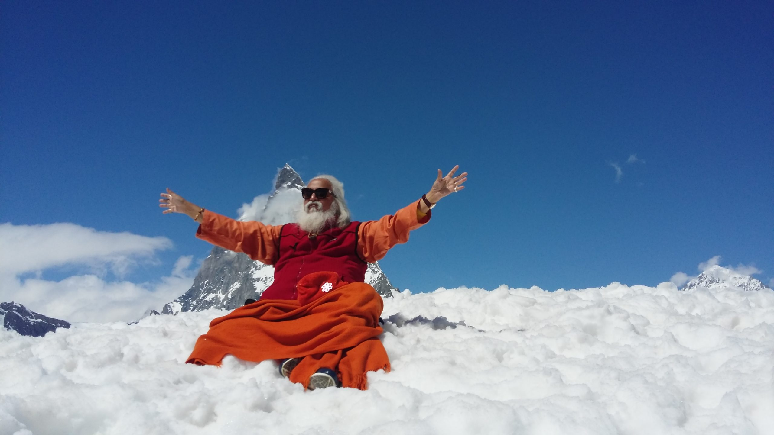 Himalaya Halle Encounter With Shiva Guruji, Spiritual Master From Himalaya In Switzerland - Vivamost!