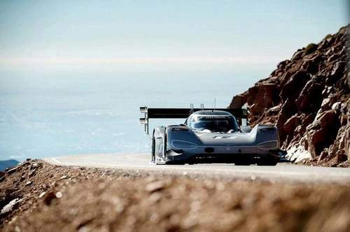 Volkswagen ID R Shatters The Pikes Peak Record В 7: 57.148