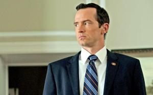 house-of-cards-nathan-darrow_612x380_0