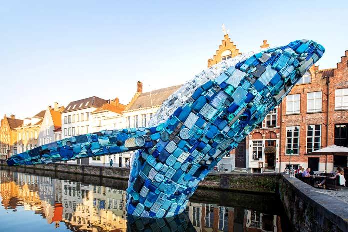 Ballena de plástico reciclado. Skycraper - Vive Green