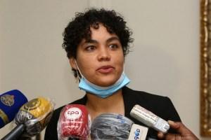 Ministra Adjany Costa