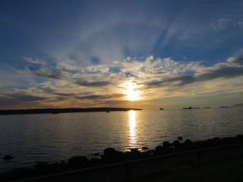 Pôr do sol na praia de English Bay