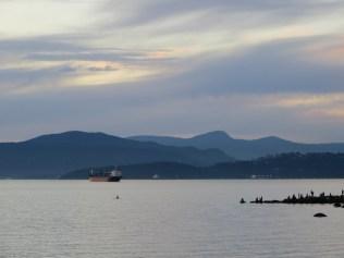 Uma das vistas a partir da praia de English Bay