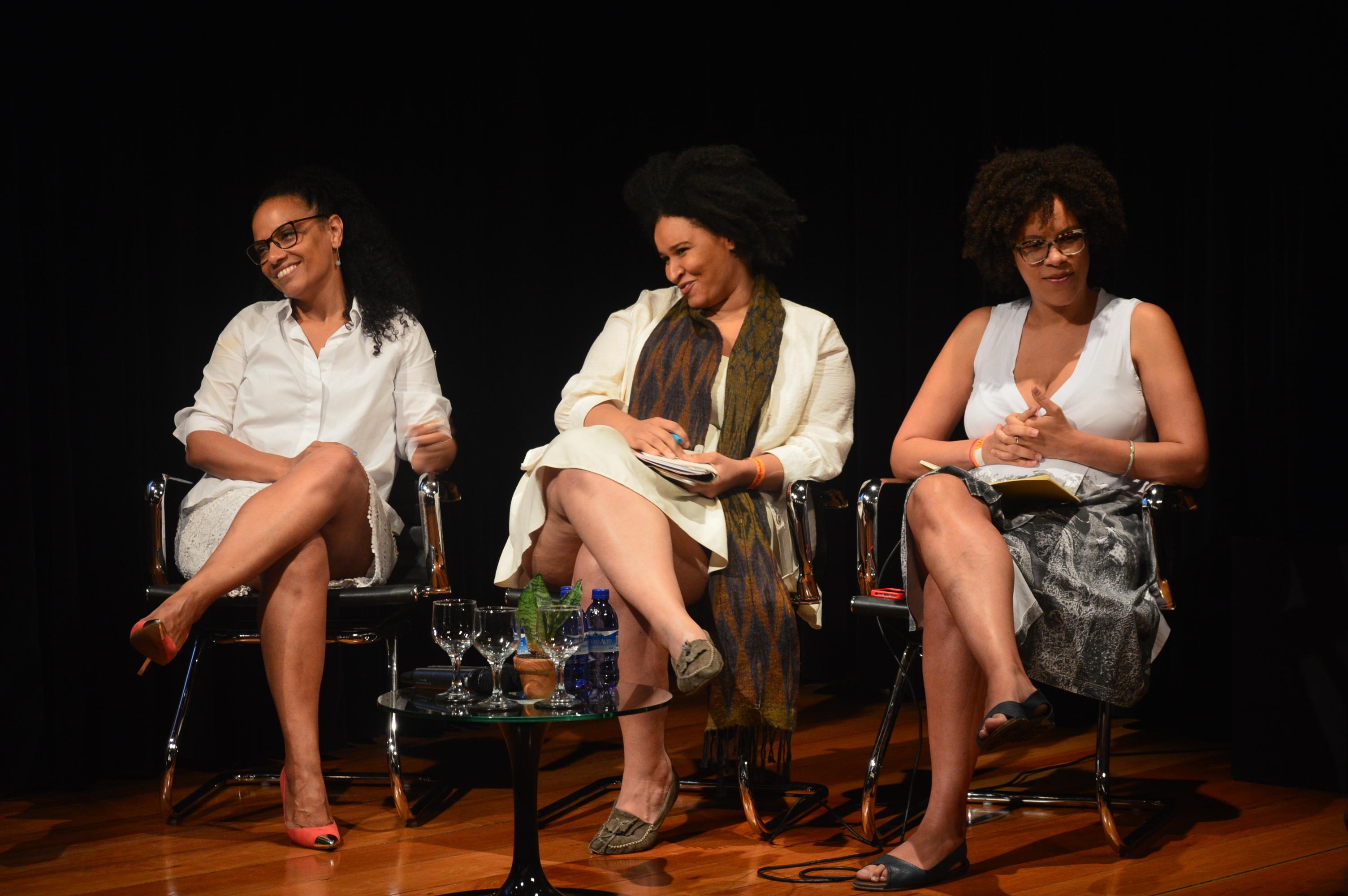 Flávia Oliveira, Ana Carolina Lourenço e Ynaê Lopes dos Santos: símbolos de luta no Instituto Moreira Salles
