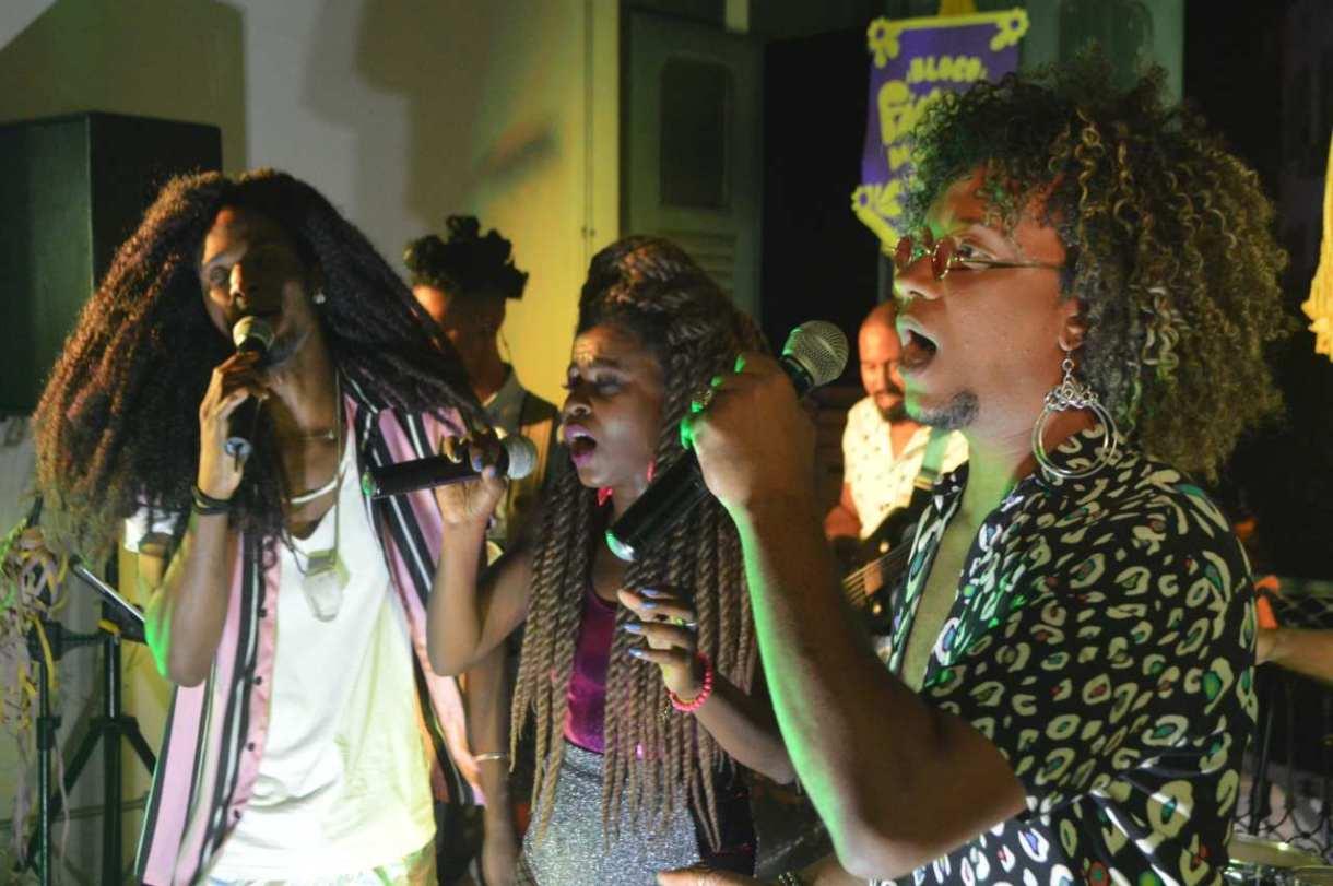 O grupo Soul de Br canta um pouco do black brasileiro.