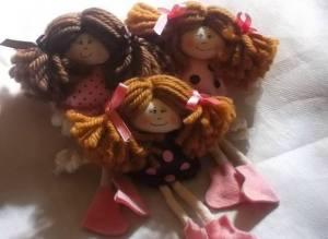 Bonequinhas de Pano Chaveiro Rosa Poá Marrom