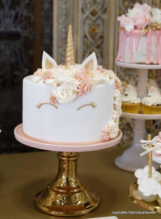 bolo festa unicórnio
