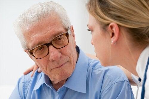 Come aiutare gli anziani malati a superare la depressione