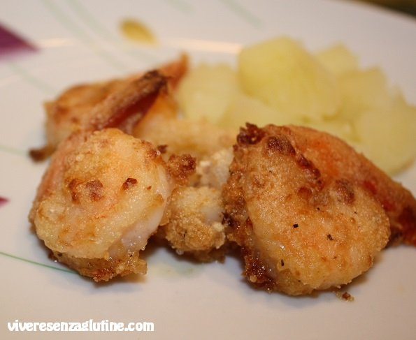 Gluten-free cuttlefish and shrimp breaded and baked
