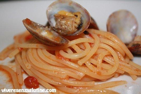 Gluten-free spaghetti with clams