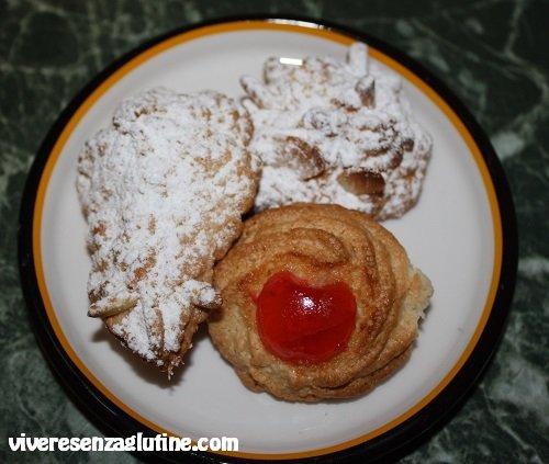 Gluten-free almond pastries
