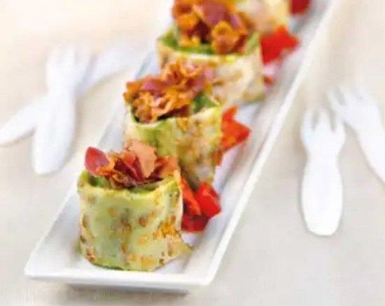 Crêpes con crema di avocado e pancetta