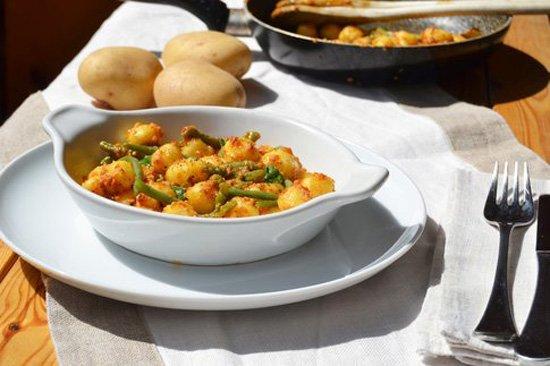 Gnocchetti senza glutine con pesto di pomodori secchi, mandorle e fagiolini