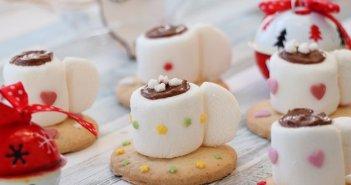 tazze di cioccolata di marshmallow senza glutine