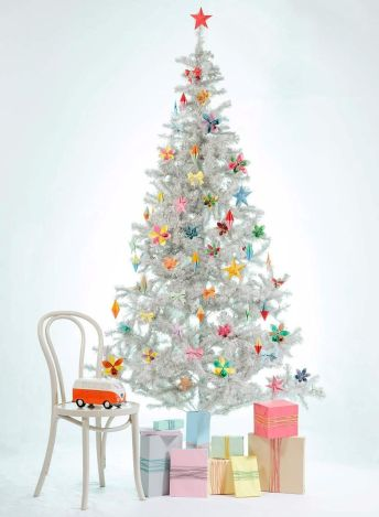 i-create-paper-decorations-to-make-our-christmas-fun-and-unique-2__880