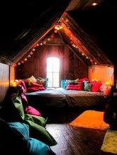 cozy-reading-nooks-book-corner-70-5731c3ba7741e__700