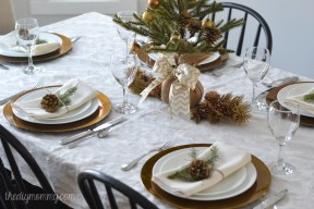 simple-gold-christmas-table-by-the-diy-mommy-4