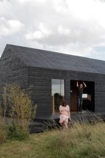 14_ochre-barn-by-carl-turner-architects-norfolk-england_1