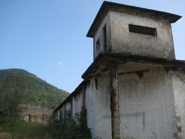 a view to the prison 4
