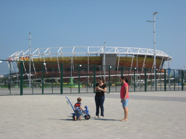 walk to olympic park 2
