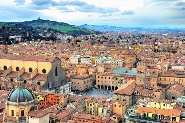Dieci cose da fare a Bologna