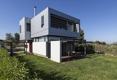 Paiania House – in Grecia l'acciaio dona vita ai sogni
