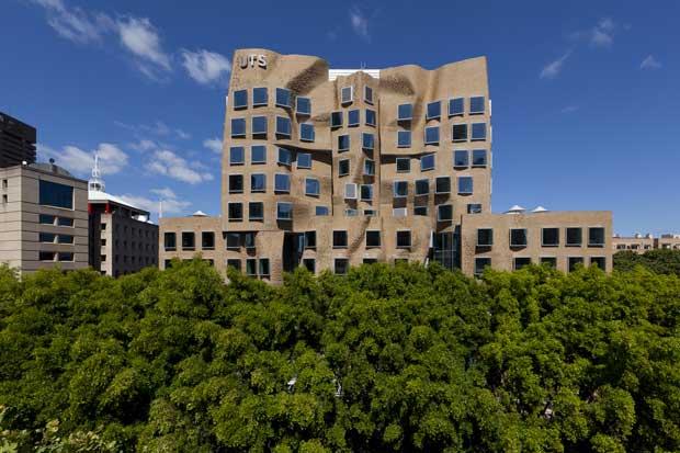 Dr Chau Chak Wing Bbuilding – il palazzo di carta di Frank Gehry a Sydney