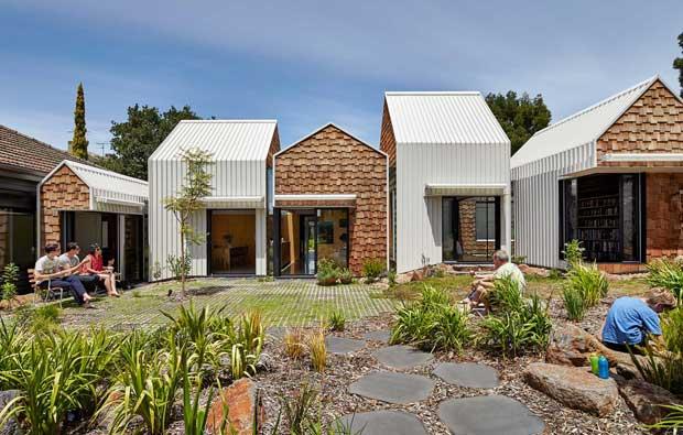 Tower House – la casa che sembra un villaggio in Australia