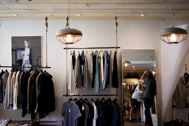 Come aprire un negozio di abbigliamento online con stile