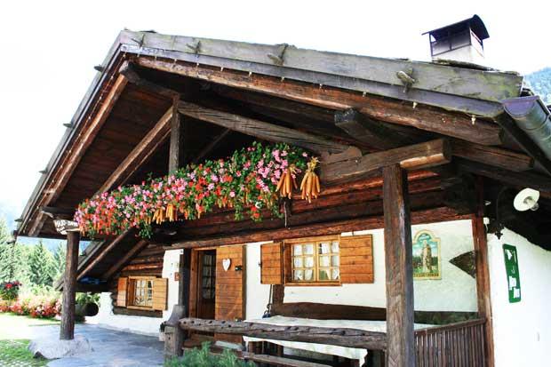 Affittare uno chalet in Trentino per vacanze ed eventi: Chalet Maso Doss