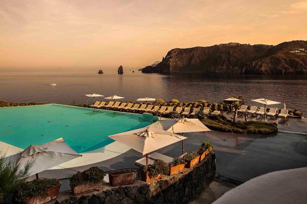 Therasia Resort – hotel di lusso a Vulcano