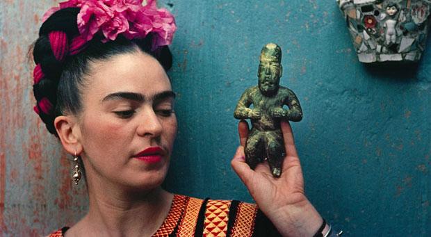 Tutte pazze per Frida Kahlo – idee di stile per ispirarsi al look della pittrice messicana