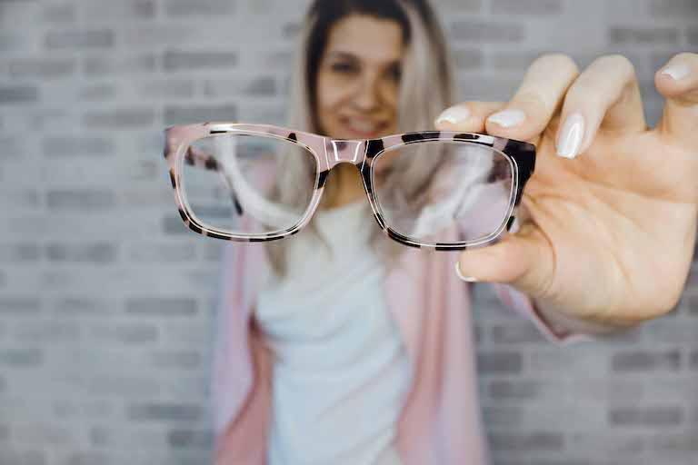 vari design stili classici consegna gratuita Occhiali da vista femminili: montature di tendenza nel 2019 ...