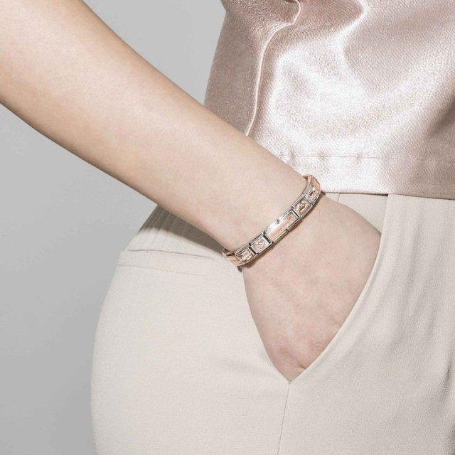 La carta del componibile nei gioielli: i bracciali in argento