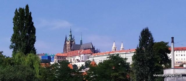 Praga Castillo árboles