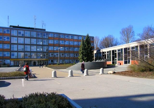 Las clases fueron suspendidas el 2 de marzo debido a la aparición de un caso positivo de coronavirus en la universidad