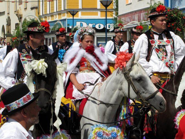 folklore, traje típico eslavo