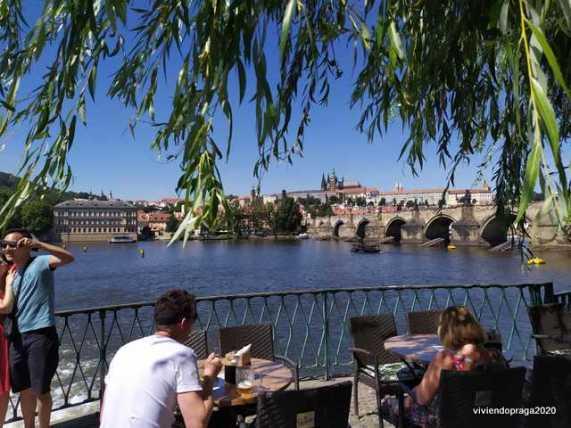 Río, puente Praga