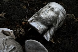 goldman_vivien_Forest-Hills-Cemetery-Figures-in-Stone04
